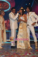 Mithun Chakraborty, Shakti  at the grand finale of Dance India Dance in Andheri Sports Complex on 23rd April 2010 (4).JPG