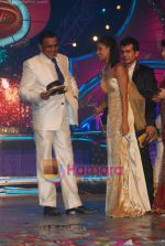 Mithun Chakraborty, Shakti  at the grand finale of Dance India Dance in Andheri Sports Complex on 23rd April 2010 (6).JPG