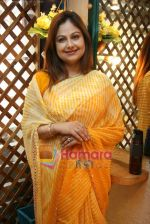 Ayesha Jhulka at the Launch of Ayesha Jhulka_s second branch Anantaa spa saloon in Andheri on 25th April 2010 (15).JPG