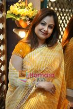 Ayesha Jhulka at the Launch of Ayesha Jhulka_s second branch Anantaa spa saloon in Andheri on 25th April 2010 (17).JPG