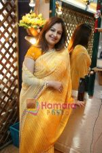 Ayesha Jhulka at the Launch of Ayesha Jhulka_s second branch Anantaa spa saloon in Andheri on 25th April 2010 (18).JPG