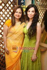 Ayesha Jhulka, Rukhsar at the Launch of Ayesha Jhulka_s second branch Anantaa spa saloon in Andheri on 25th April 2010 (2).JPG