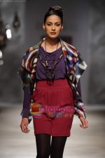 Model walk the ramp for Rana Gill at Wills India Fashion Week day 5 on 29th March 2010.JPG