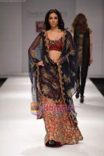 Model walk the ramp for Swapan and Seema at Wills India Fashion Week day 5 on 29th March 2010 (14).JPG