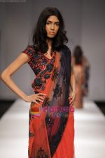 Model walk the ramp for Swapan and Seema at Wills India Fashion Week day 5 on 29th March 2010 (15).JPG