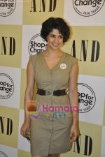 Gul Panag at AND-Shop for change initiative in AND store, mumbai on 28th April 2010 (8).JPG