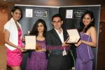 Pooja Chopra and Ekta Chaudhary at World Gold Council  launch of Collection G in Atria Mall on 29th April 2010 (29).JPG