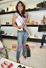 Miss Universe contestants - I am She visit Miss Sixty store in Palladium on 4th May 2010 (45).JPG