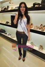 Miss Universe contestants - I am She visit Miss Sixty store in Palladium on 4th May 2010 (50).JPG