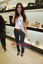 Miss Universe contestants - I am She visit Miss Sixty store in Palladium on 4th May 2010 (54).JPG