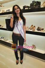 Miss Universe contestants - I am She visit Miss Sixty store in Palladium on 4th May 2010 (55).JPG
