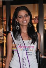 Miss Universe contestants - I am She visit Miss Sixty store in Palladium on 4th May 2010 (71).JPG