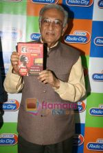 Ameen Sayani launches Geetmala Ki Chhaon Mein - Vol. 11-15 on Radio City 91.1FM in Bandra on 10th May 2010 (5).JPG