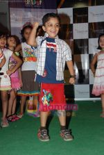 at Liliput kids fashion show in Oberoi mall on 16th May 2010 (28).JPG