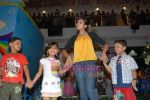 at Liliput kids fashion show in Oberoi mall on 16th May 2010 (8).JPG