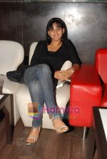 at Naveen Prabhakar_s birthday bash in Shimmer Lounge and Kitchen on 19th May 2010 (7).JPG