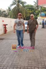 Hrithik and Rakesh Roshan spotted at PVR, Juhu on 20th May 2010 (14).JPG