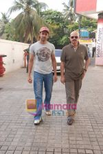 Hrithik and Rakesh Roshan spotted at PVR, Juhu on 20th May 2010 (3).JPG