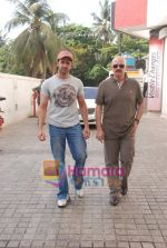 Hrithik and Rakesh Roshan spotted at PVR, Juhu on 20th May 2010 (4).JPG