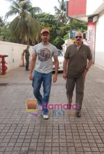 Hrithik and Rakesh Roshan spotted at PVR, Juhu on 20th May 2010 (6).JPG