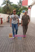Hrithik and Rakesh Roshan spotted at PVR, Juhu on 20th May 2010 (9).JPG