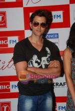 Hrithik Roshan at BIG FM Studios to greet the winners of Love Unlimited contest on 21st May 2010 (2).JPG