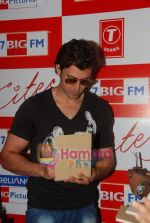 Hrithik Roshan at BIG FM Studios to greet the winners of Love Unlimited contest on 21st May 2010 (5).JPG