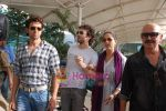 Hrithik Roshan, Barbara Mori, Rakesh Roshan arrive after Kites promotion in Kolkata in Domestic Airport, Mumbai on 24th May 2010 (3).JPG