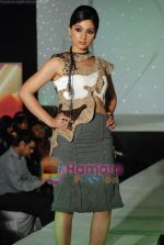 at NIFT Annual fashion show in Lalit Hotel on 24th May 2010 (77).JPG