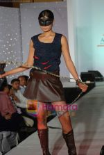 at NIFT Annual fashion show in Lalit Hotel on 24th May 2010 (90).JPG