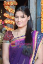Aarti Singh at the launch of Thoda Hai Bas Thode Ki Zaroorat Hai show on Colors in Kamalistan on 2nd June 2010 (11).JPG