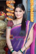 Aarti Singh at the launch of Thoda Hai Bas Thode Ki Zaroorat Hai show on Colors in Kamalistan on 2nd June 2010 (13).JPG