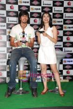 Ishant Sharma, Prachi Desai at International Criket 2010 game launch in Phoenix Mill on 9th June 2010 (2).JPG