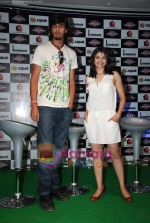 Ishant Sharma, Prachi Desai at International Criket 2010 game launch in Phoenix Mill on 9th June 2010 (4).JPG