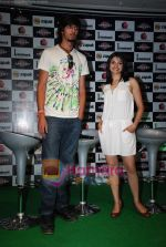 Ishant Sharma, Prachi Desai at International Criket 2010 game launch in Phoenix Mill on 9th June 2010 (9).JPG