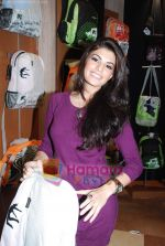 Jacqueline Fernandez at the launch of MTV Wildcraft - range of bags and adventure gear in Bandra on 21st July 2010 (17).JPG