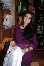 Jacqueline Fernandez at the launch of MTV Wildcraft - range of bags and adventure gear in Bandra on 21st July 2010 (18).JPG
