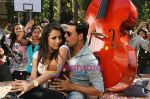 Akshay Kumar, Trisha in the still from movie Khatta Meetha (10).JPG