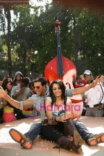 Akshay Kumar, Trisha in the still from movie Khatta Meetha (12).JPG