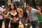 Akshay Kumar, Trisha in the still from movie Khatta Meetha (8).JPG
