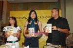 Koel Purie at the launch of Amrita Trpathi_s book Broken News in Crossword, Juhu on 23rd July 2010 (8).JPG