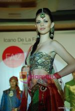 at Glam fashion show by Faiz Fatma in Grand Imperial Banquet on 26th July 2010 (118).JPG