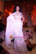 Model walk the ramp for Abu Jani Show at Pearls Delhi couture week on 25th July 2010.JPG