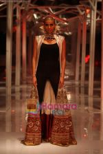 Model walk the ramp for Anamika Khanna Show at Pearls Delhi couture week on 25th July 2010 (4).jpg