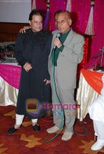Anup Jalota at Anup Jalota_s ghazal bash in Worli, Mumbai on 29th July 2010 (21).JPG