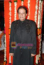 Anup Jalota at Anup Jalota_s ghazal bash in Worli, Mumbai on 29th July 2010 (5).JPG