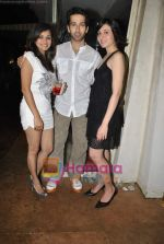 Nakuul Mehta at Raghav Sanchar_s birthday bash in Janki Kutir on 7th Aug 2010 (24).JPG