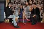Kareena Kapoor, Karan Johar, Rohit Roy at the launch of Starweek 1st anniversary Issue in Cest La Vie on 13th Aug 2010 (13).JPG