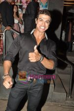 Sahil Khan at the launch of Starweek 1st anniversary Issue in Cest La Vie on 13th Aug 2010 (69).JPG