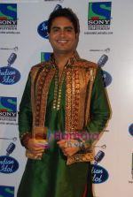 Rakesh on the sets of Indian Idol in Filmistan on 14th Aug 2010 (4).JPG